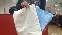 Kebijakan Harga Kantong Plastik Terlalu Murah