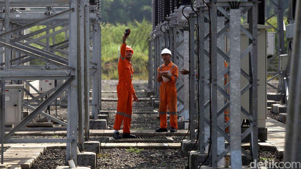 PLN Berhasil Perbaiki 111 Gardu Listrik Pasca Banjir di Sumbar