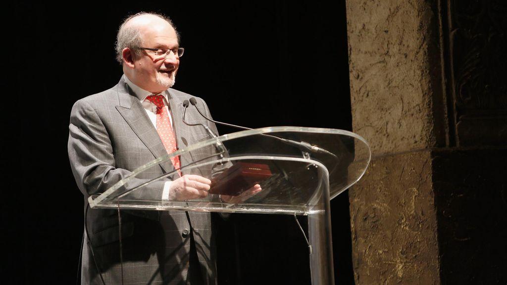 Penulis Salman Rushdie Kembali Diancam Akan Dibunuh