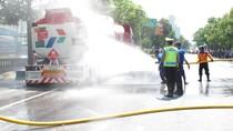 Truk Tangki Angkut 24 Ribu Liter BBM Pecah Ban dan Terbakar di Banjarnegara