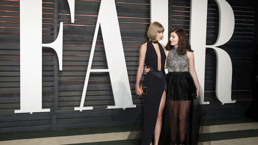Bukan Selena Gomez, Taylor Swift Gandeng Lorde di Pesta Oscar