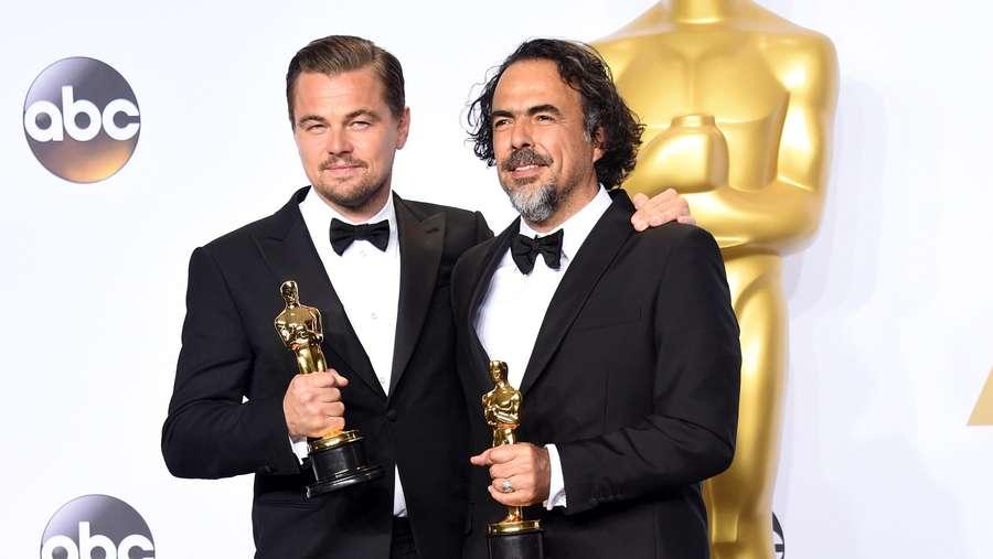 Leonardo DiCaprio dan Piala Oscar Perdananya