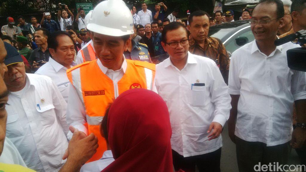 Soal Transportasi Massal Jakarta, Jokowi: Sudah Tertinggal 25 Tahun
