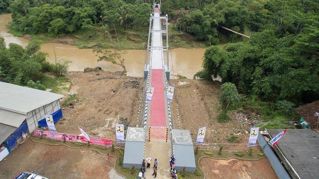 Begini Cantiknya Jembatan Gantung Baru di Indonesia