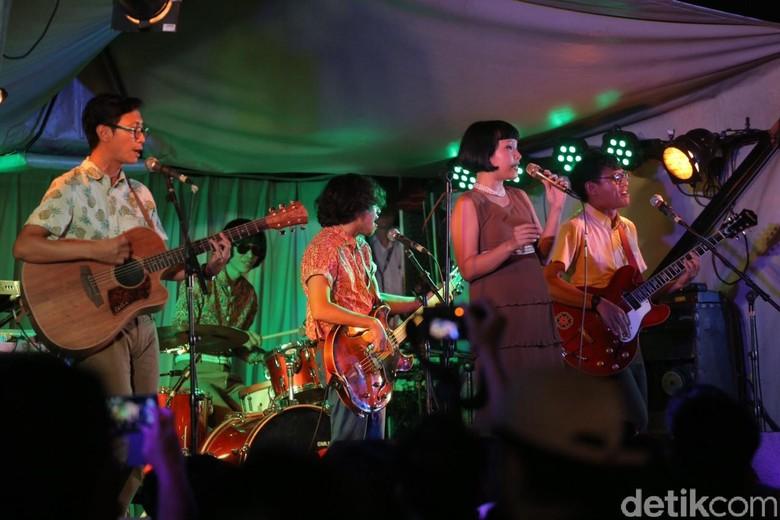 White Shoes & the Couples Company akan Kolaborasi dengan Tulus
