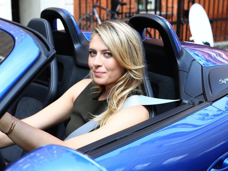 Porsche Beri Lampu Kuning untuk Maria Sharapova