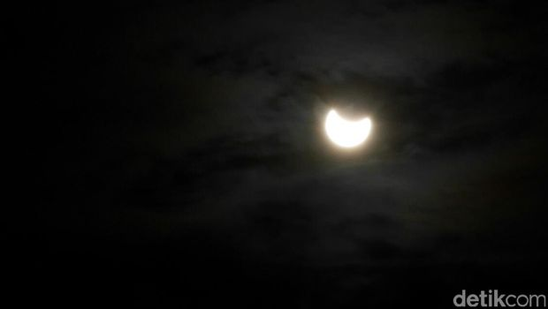 Gerhana matahari di Belitung (Foto: detikCom)