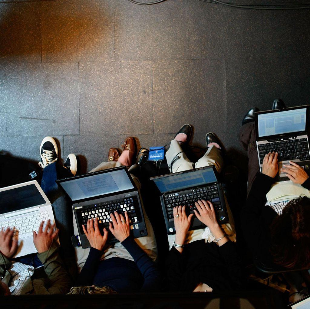 Prinsip Dasar Menangkal Dampak Negatif Internet