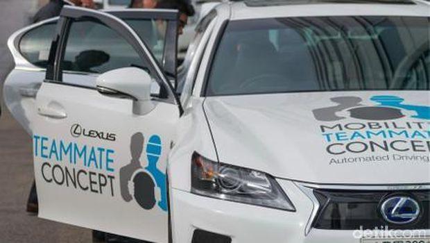 Tahun 2020, Jalan Tol Dihiasi Mobil Toyota yang Bisa Jalan Sendiri