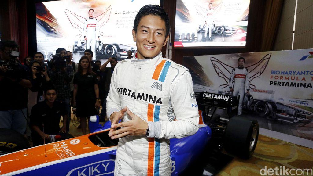 Wah, Rio Haryanto Mantan Pebalap F1 Ternyata Doyan Makan dan Bisa Masak!