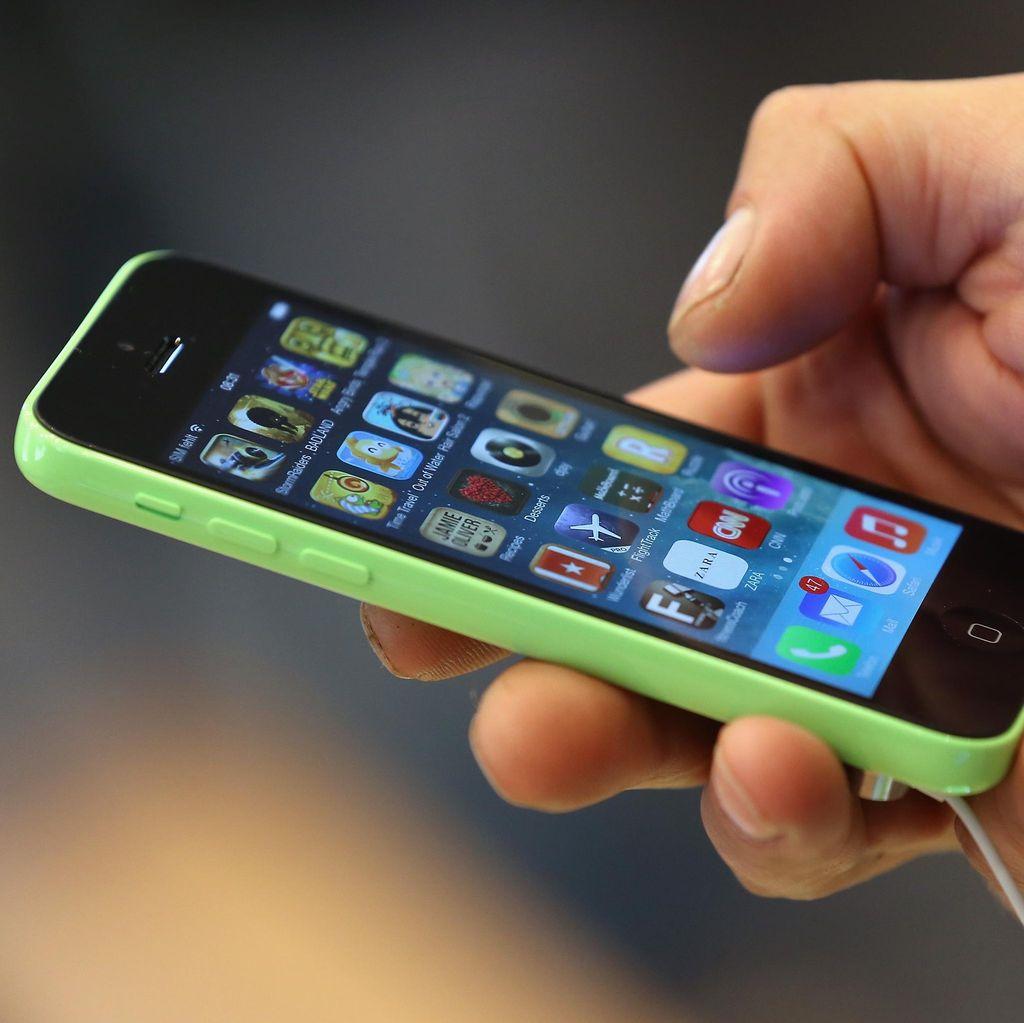 Internet di Ponsel Kamu Lemot? Ini Penjelasan Kominfo