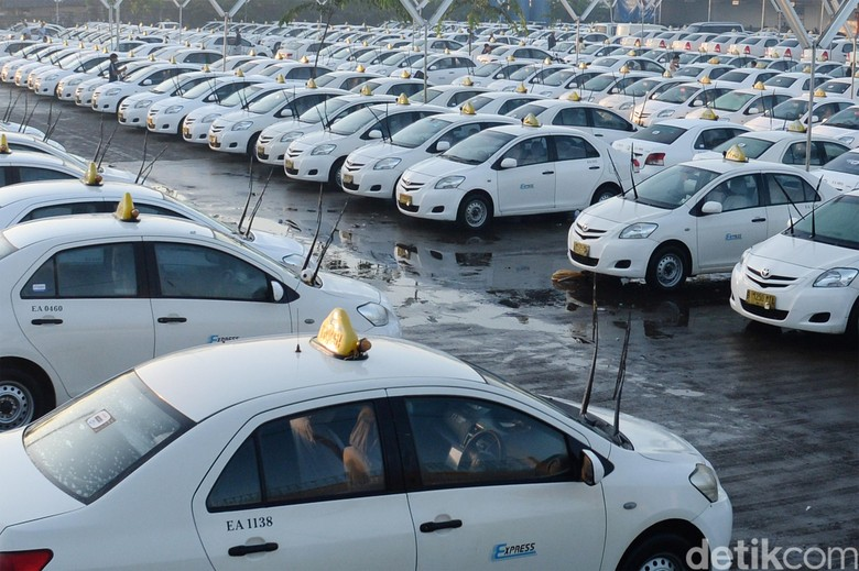 Direksi dan Komisaris Taksi Express Ramai-ramai Mundur