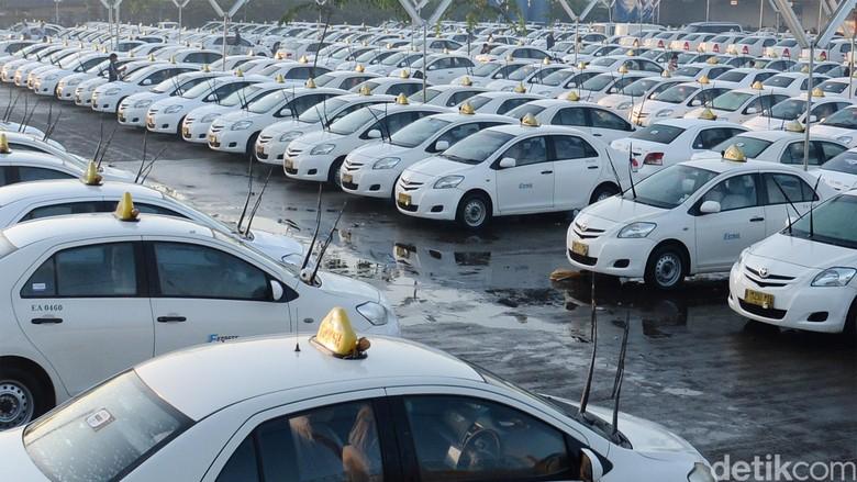 Express PHK Karyawan Karena Kalah Saing dengan Taksi Online