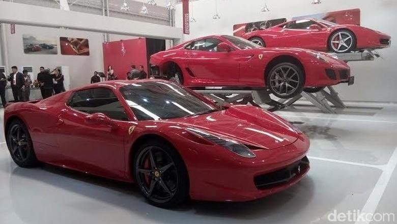 Berapa Kali Mobil Ferrari Harus Diservis?