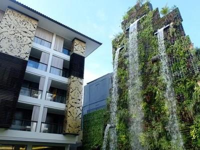 Trans Resort Bali yang Fotogenik, Dari Kolam Berpasir Putih Hingga Taman Vertikal