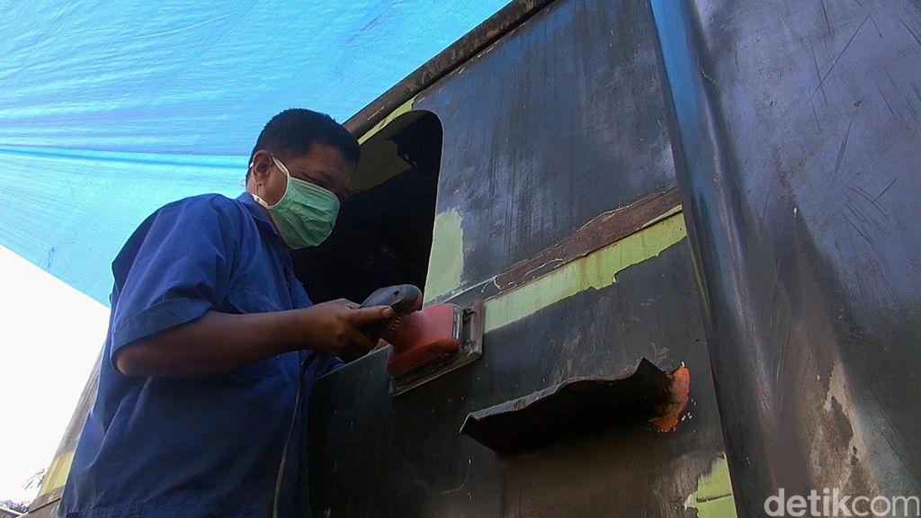 Menyelamatkan Lokomotif Mak Itam, Ganti Onderdil Rusak dengan Jeroan Handmade