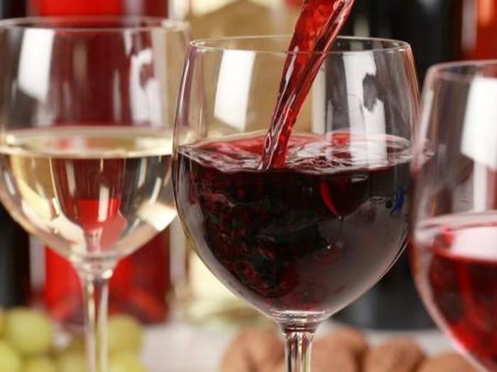 Kandungan dalam red wine dapat mengurangi kemampuan bakteri jahat merusak gigi. (Foto: Thinkstock)