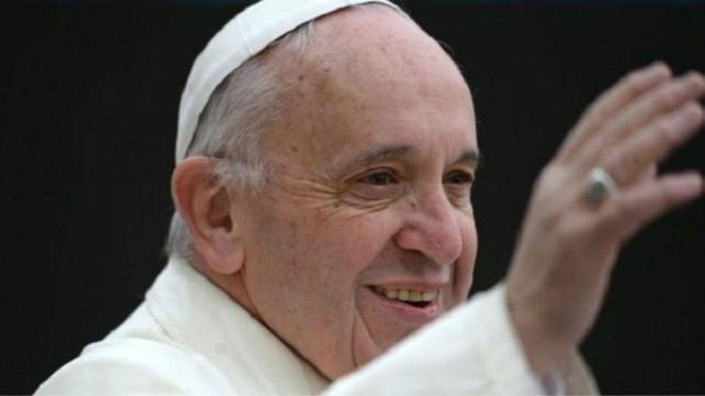 Paus Fransiskus: Perlakukan Alkitab Seperti Smartphone