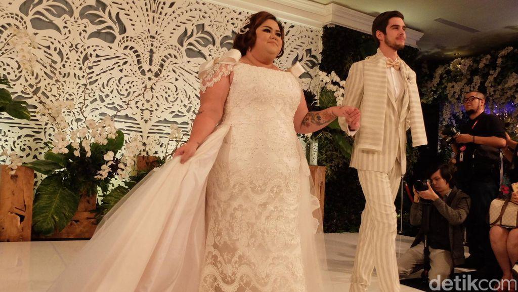 Ivan Gunawan Tampilkan Model Berbobot 120 Kg di Fashion Show Gaun Pengantin