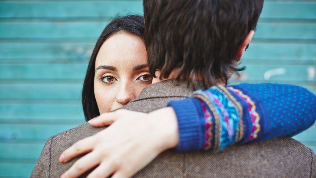 Ini Alasan Psikologis Ketika Wanita Jadi Perebut Laki Orang