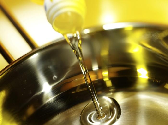 Pemakaian minyak goreng berulang-ulang bisa picu penyakit jantung/Foto: Istimewa