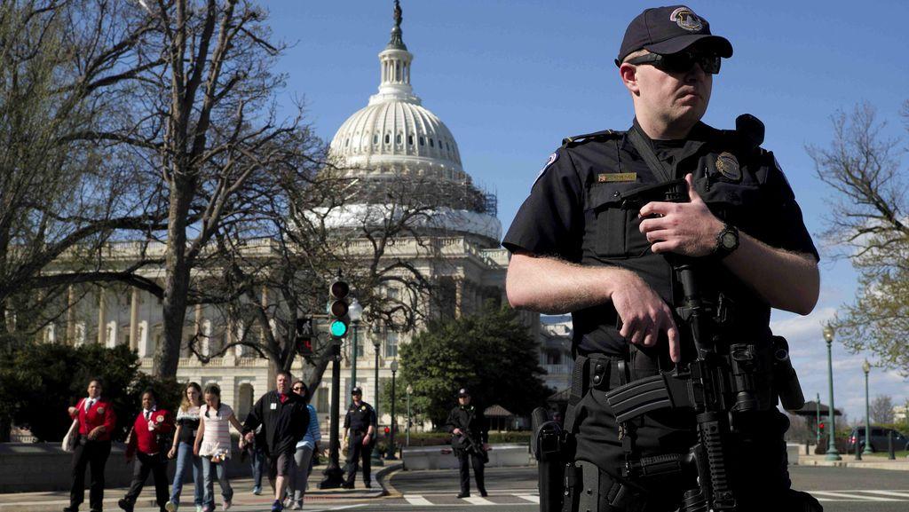 Polisi AS Tangkap 400 Demonstran di Luar Gedung Capitol