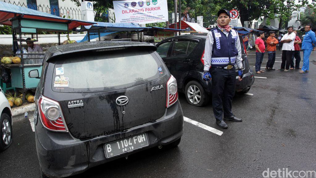 Pemprov DKI Diminta Lakukan Kajian Mendalam Sebelum Naikkan Tarif Parkir