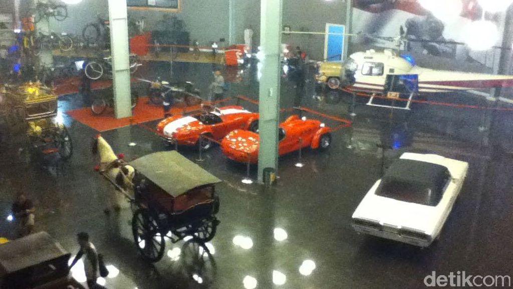 Top Abis, Koleksi Mobil di Museum Angkut