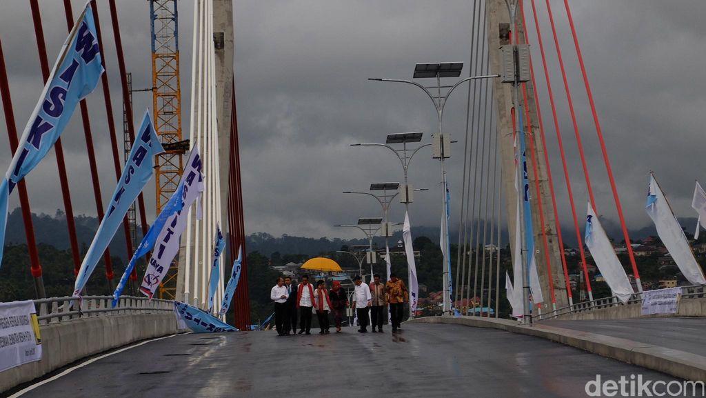 Jembatan Merah Putih Tak Sediakan Jalur Pejalan Kaki, Ini Alasannya