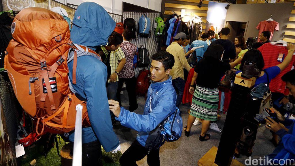 Pameran Indofest 2016 Diserbu Pengunjung