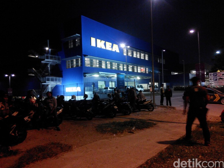 Selesai Disisir, Gegana Tak Temukan Bom di IKEA Alam Sutera