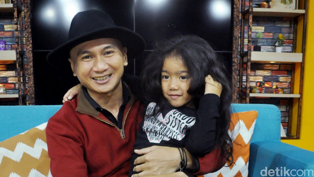 Anji Tolak Tawaran Bisnis Kue Kekinian, Netizen: Jual Gorengan Aja Yuk!
