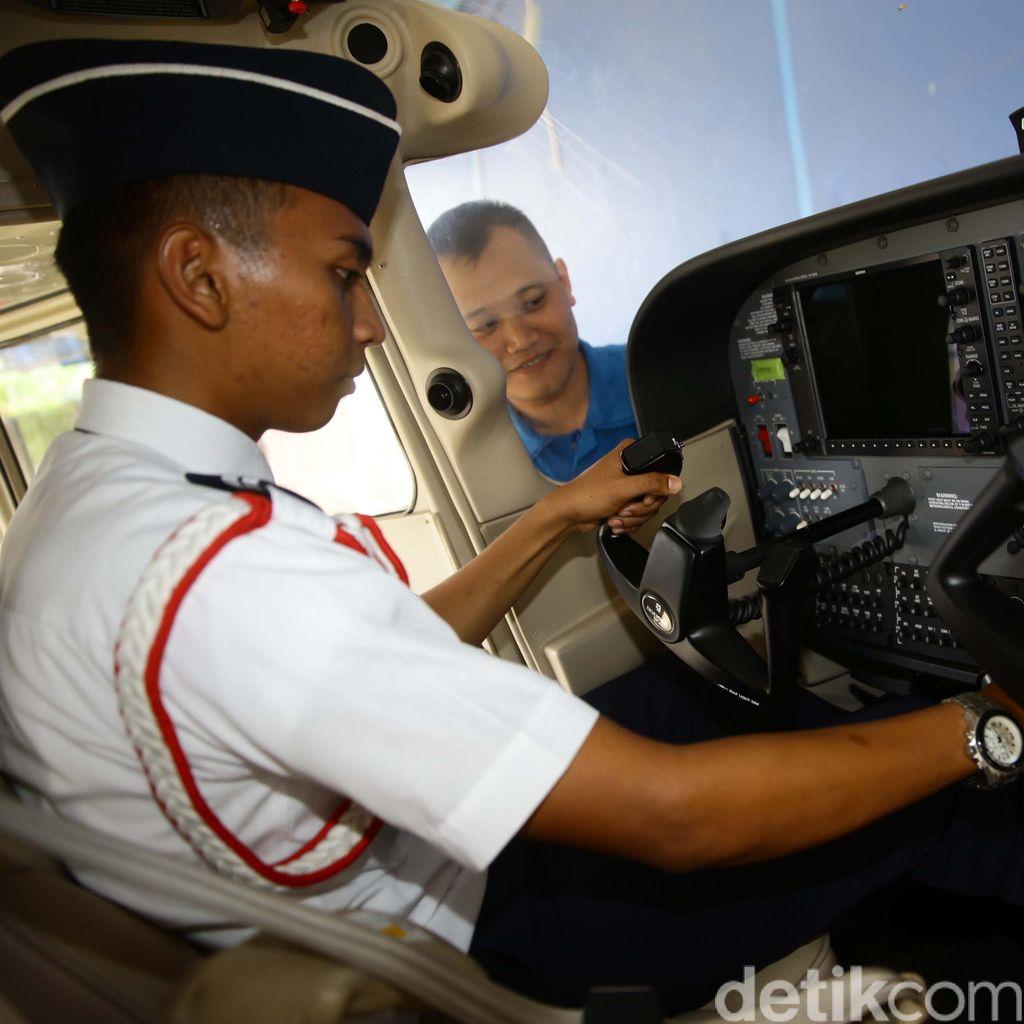 Pilot Menganggur Gara-gara Kurang Jam Terbang?