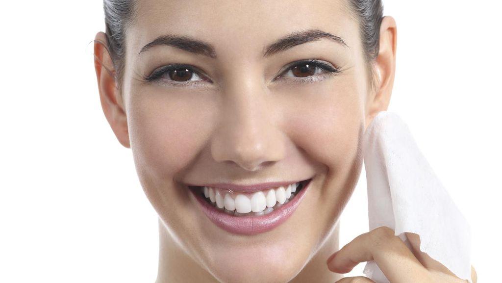 7 Cleansing Wipes untuk Kamu yang Malas Bersihkan Wajah Saat Malam