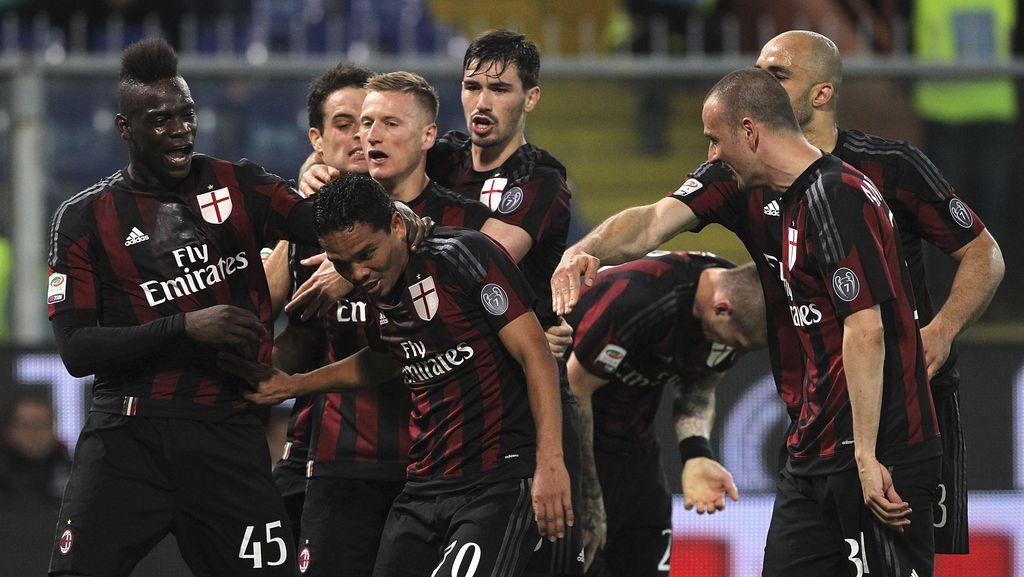 Bacca Main di Tim Terburuk Milan Sepanjang Sejarah