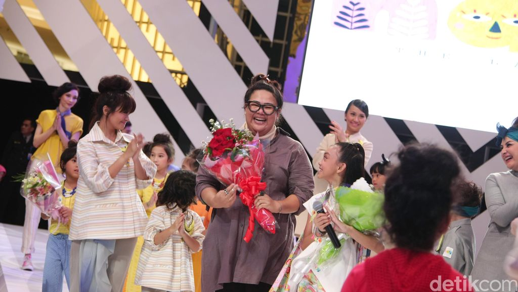 Perdana Rilis Label Busana Anak, Mel Ahyar Kolaborasi dengan Putri Nola B3