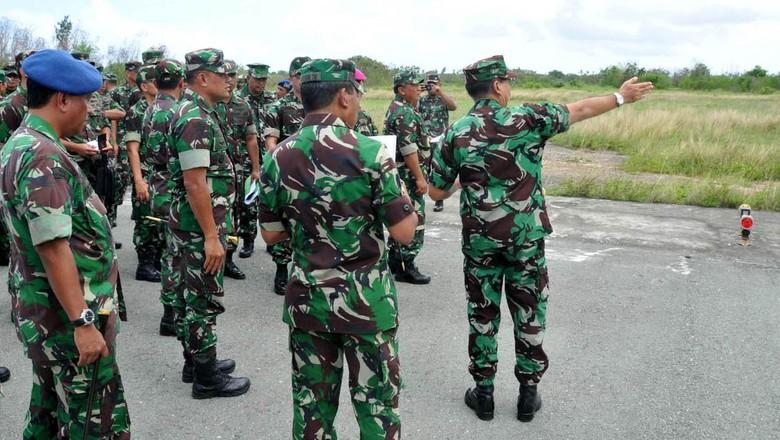 Panglima TNI Tinjau Lanud dan Dermaga di Morotai