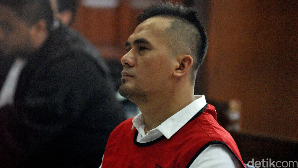 Dituntut 7 Tahun Penjara, Saipul Jamil Masih Kalem