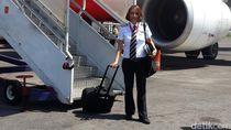 Kapten Monika, Pilot Cantik yang Merasa Lebih Hidup saat di Langit