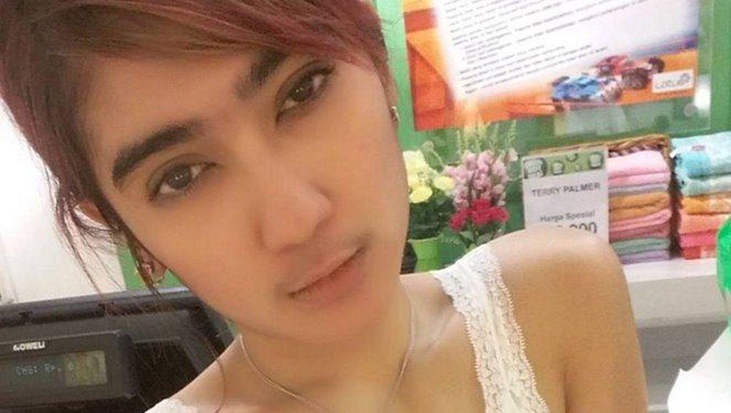Revi Mariska Menikah dengan Pria Berusia Tua, Ini Reaksi Netizen