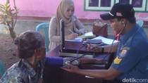 Peduli Kesehatan Masyarakat, Lanal Mataram Gelar Pengobatan Gratis