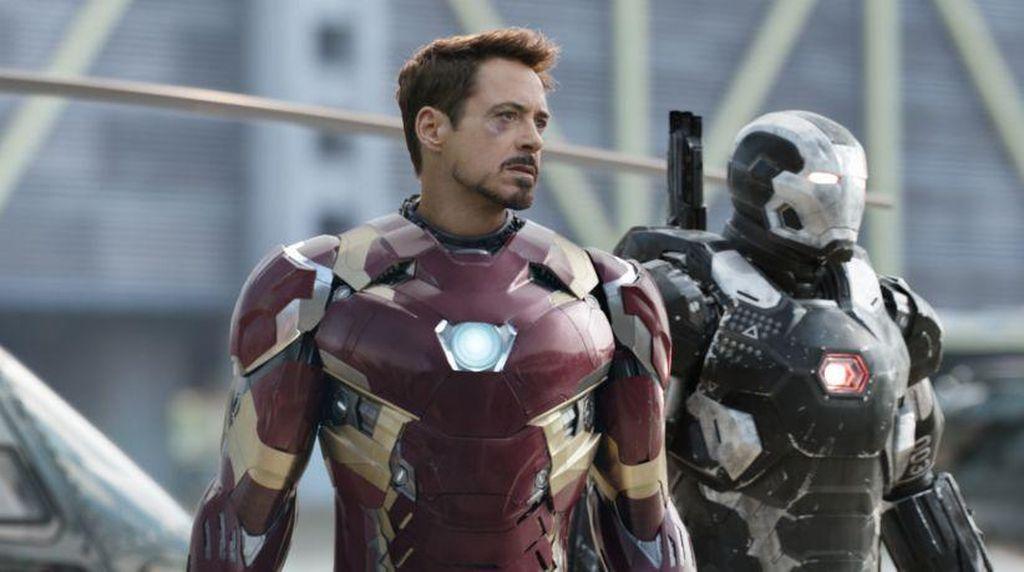 Iron Man Tawarkan Diri Jadi Jarvis Mark Zuckerberg