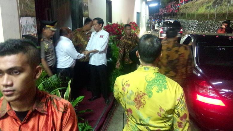 Presiden Jokowi Saksikan Pertandingan Persipura Vs Persija di Papua