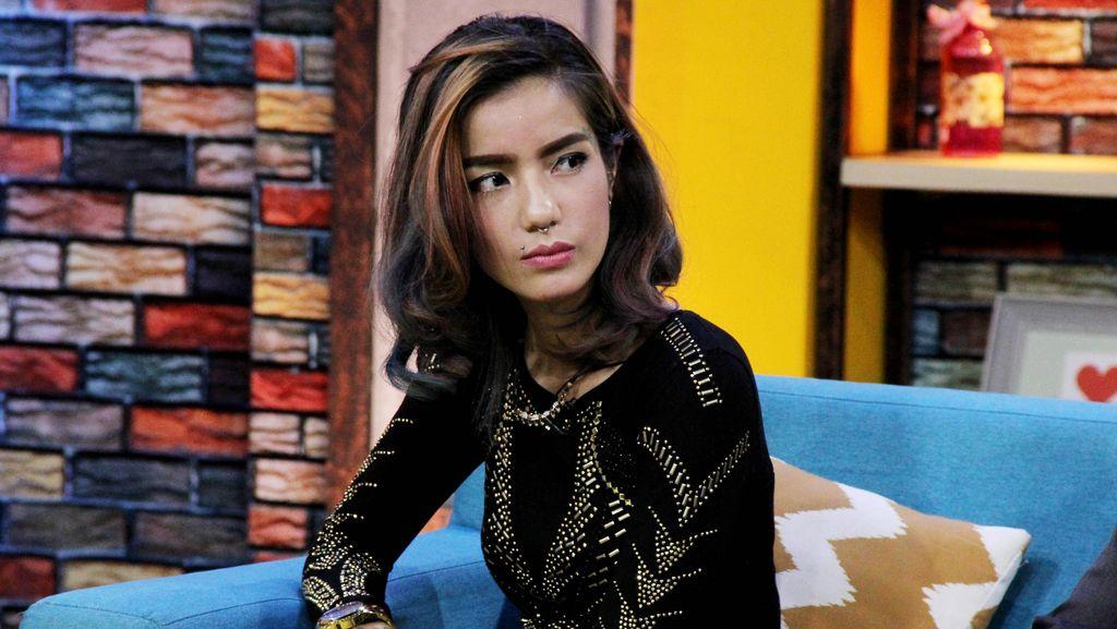 Sheila Marcia Belum Resmi Gugat Cerai Kiki Mirano