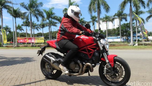 Motor Galak Ducati Monster 821