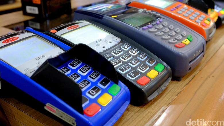Pembeli Bayar Non Tunai, Merchant Dilarang Kenakan Biaya Tambahan