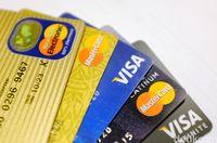 Ilustrasi kartu debit dan kredit (Ari Saputra/detikTravel)