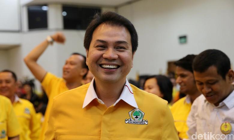 GMPG Dengar Kabar Novanto Paksakan - Jakarta Generasi Muda Partai Golkar yang dimotori Doli mendengar kabar manuver Setya Novanto menunjuk Aziz Syamsuddin menjadi Ketua