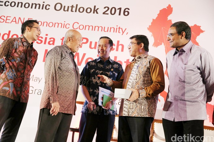 Mendag Buka Economic Outlook 2016