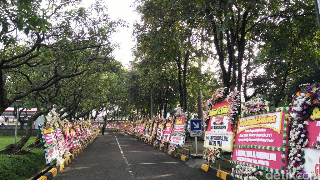 Megawati Raih Doktor Honoris Causa, Kampus Unpad Dipenuhi Karangan Bunga